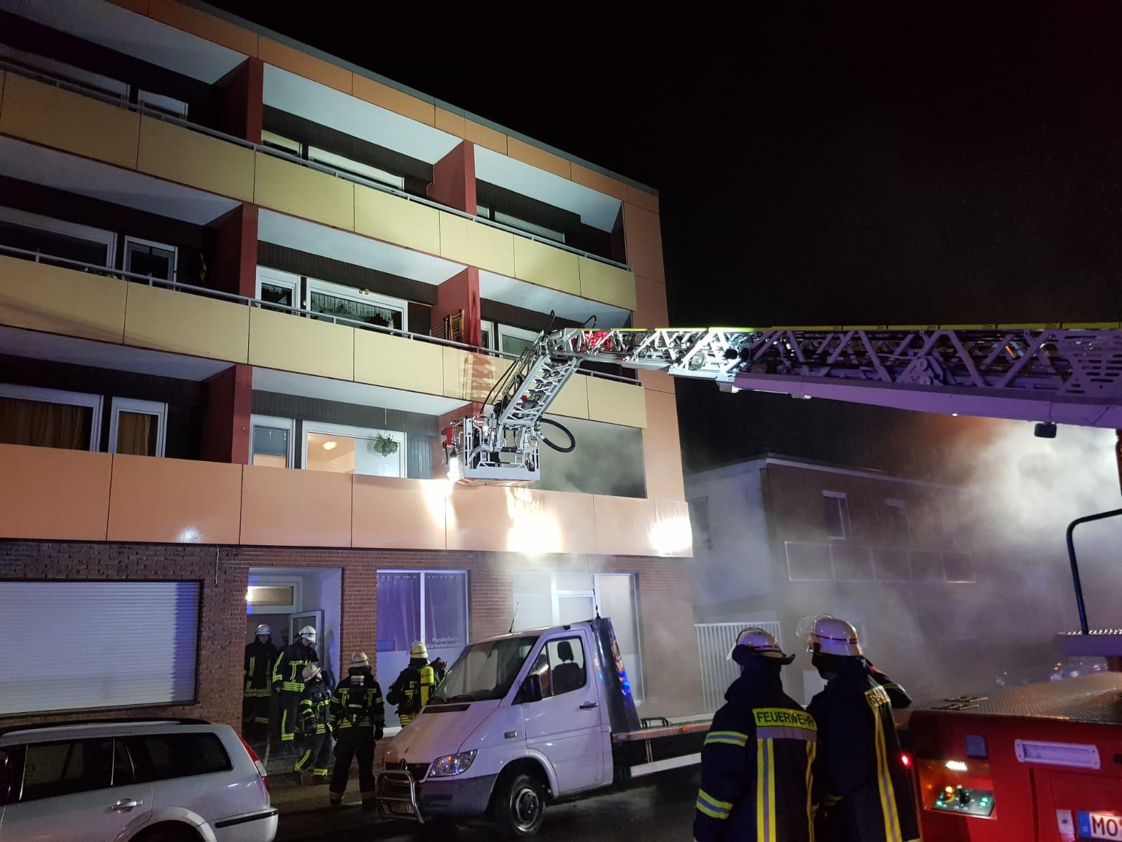 Feuer mit Personen in Gefahr an der Homberger Straße
