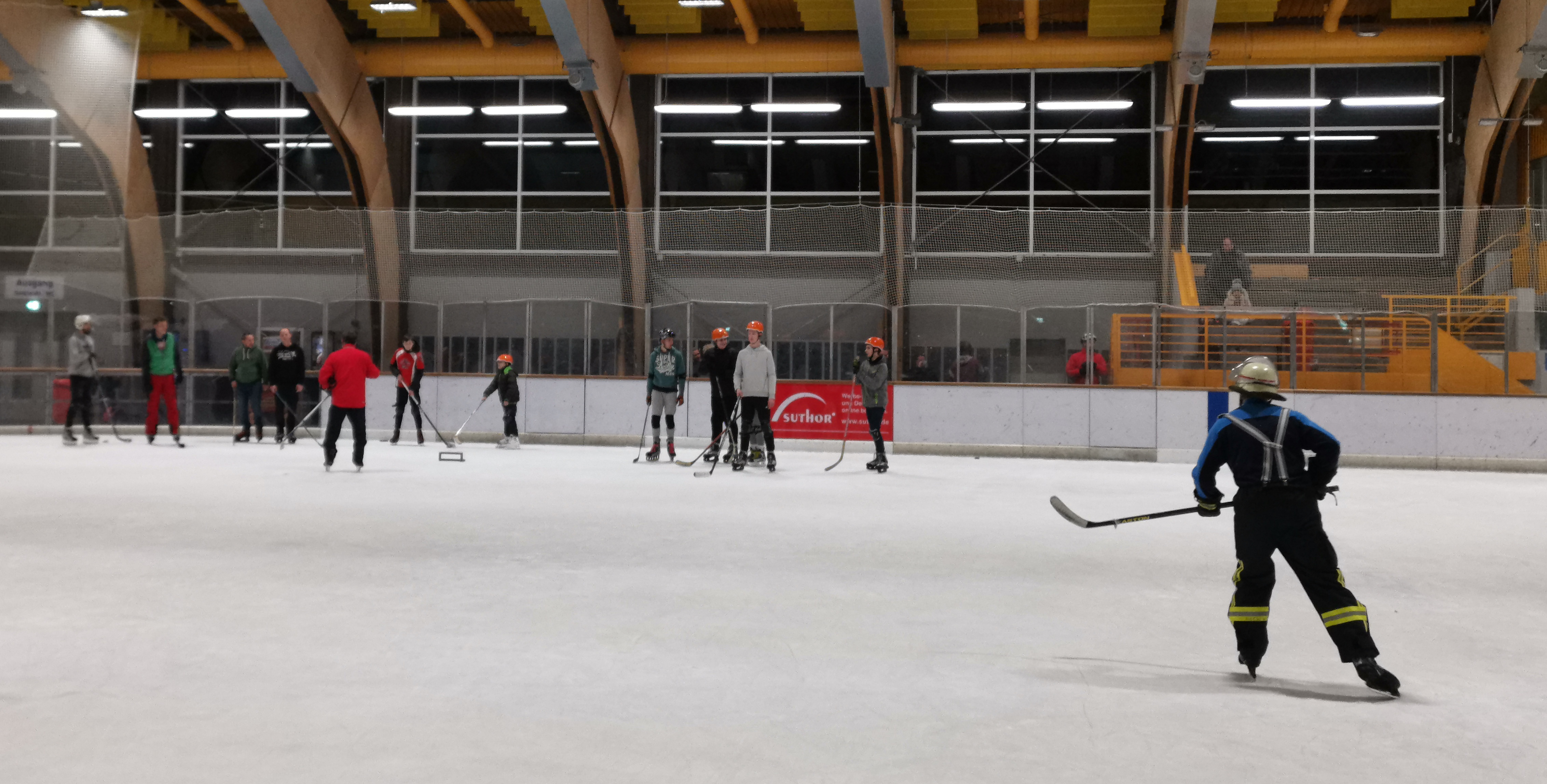 LZ Scherpenberg beim 3. Blaulicht-Cup auf dem Eis