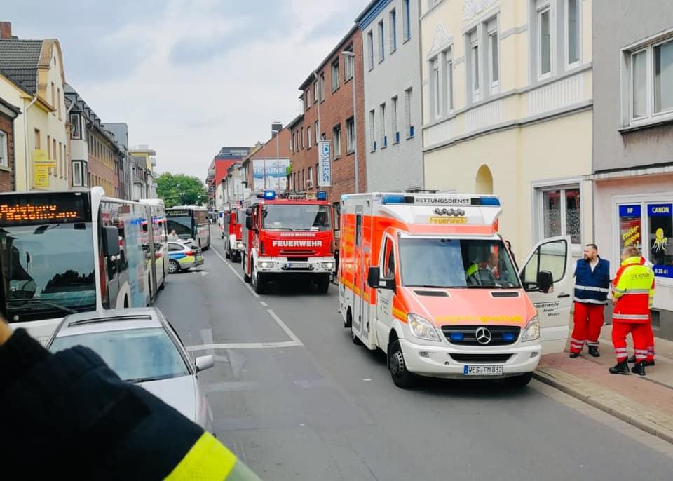 Unfall mit Linienbus: Mehrere Verletzte nach Bremsmanöver